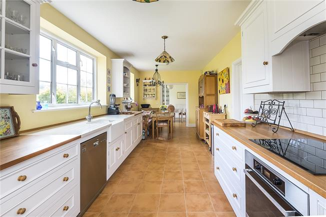 Asking Price £1,790,000, 6 Bedroom Semi Detached House For Sale in Richmond, TW10