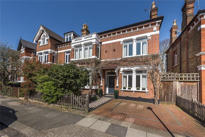 Asking Price £2,375,000, 5 Bedroom Semi Detached House For Sale in Twickenham, TW1