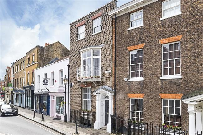 Guide Price £2,995,000, 5 Bedroom Terraced House For Sale in Richmond, TW9