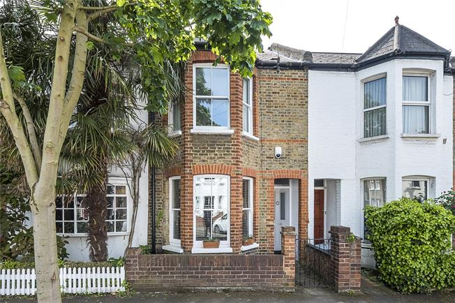 Asking Price £975,000, 3 Bedroom Terraced House For Sale in Richmond, TW9