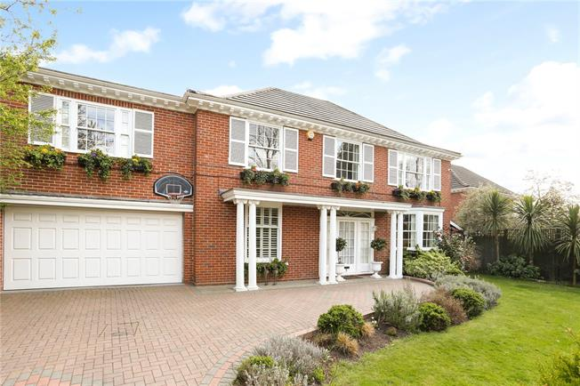 Asking Price £2,950,000, 5 Bedroom Detached House For Sale in Richmond, TW10