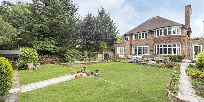 Asking Price £2,150,000, 5 Bedroom Detached House For Sale in Twickenham, TW1