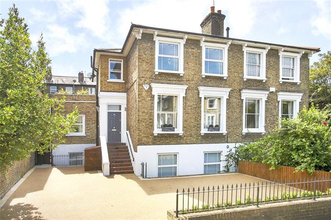 Asking Price £2,195,000, 5 Bedroom Semi Detached House For Sale in Richmond, TW9