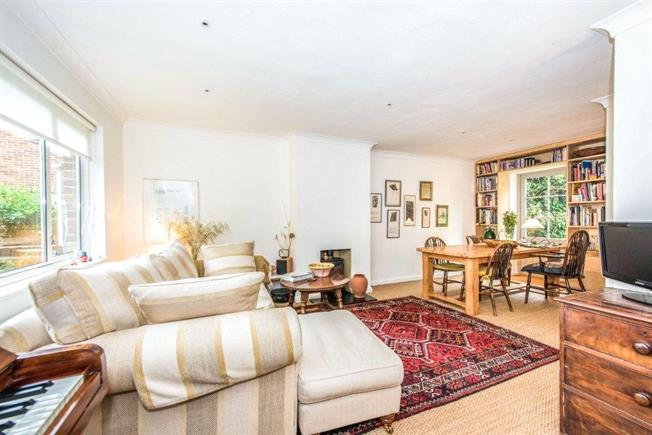 Asking Price £625,000, 3 Bedroom Terraced House For Sale in Richmond, TW10