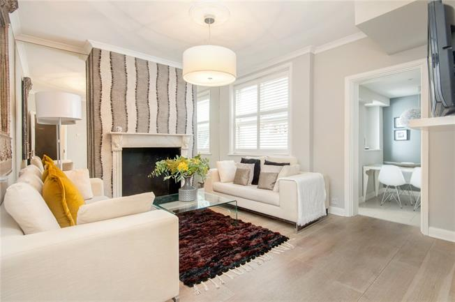 Asking Price £550,000, 1 Bedroom Flat For Sale in Richmond, TW10