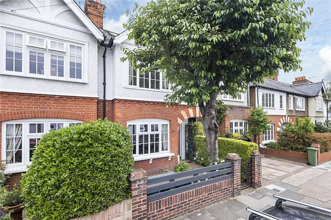Asking Price £1,100,000, 4 Bedroom Terraced House For Sale in Richmond, TW9