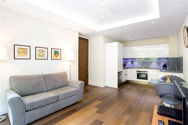 Asking Price £582,000, 1 Bedroom Flat For Sale in Richmond, TW10