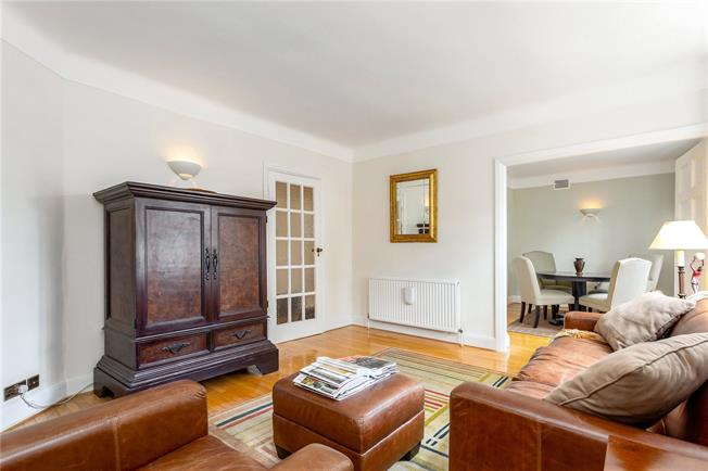Asking Price £545,000, 1 Bedroom Flat For Sale in Richmond, TW9