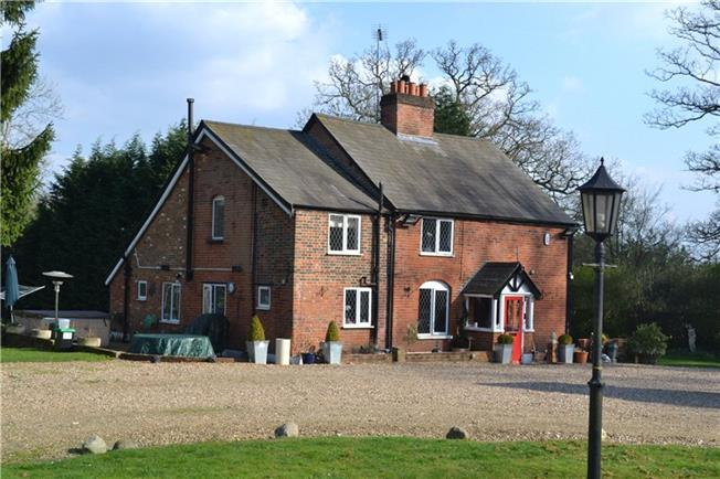 Guide Price £1,350,000, 4 Bedroom Detached House For Sale in Hertfordshire, WD4