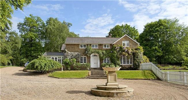 Guide Price £2,150,000, 5 Bedroom Detached House For Sale in Rickmansworth, Hertfordsh, WD3