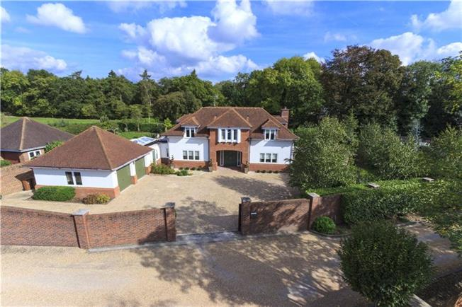 Guide Price £1,895,000, 5 Bedroom Detached House For Sale in Rickmansworth, Hertfordsh, WD3