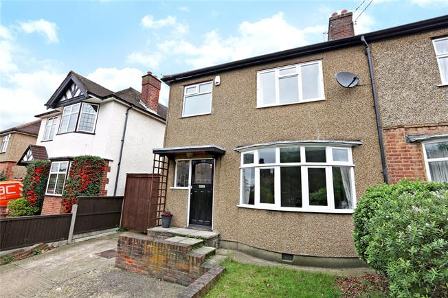 Guide Price £550,000, 3 Bedroom Semi Detached House For Sale in Watford, WD18