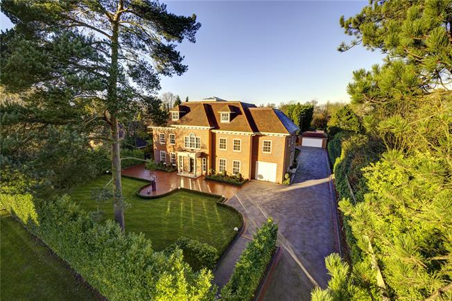 Guide Price £2,850,000, 6 Bedroom Detached House For Sale in Watford, WD19