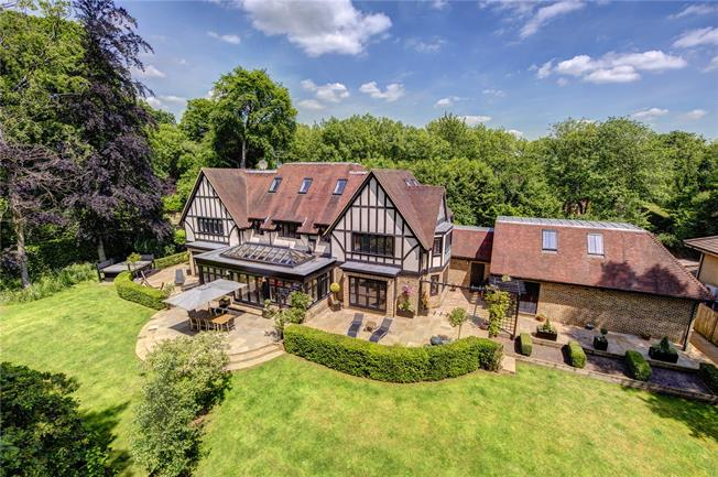 Guide Price £2,500,000, 5 Bedroom Detached House For Sale in Loudwater, WD3