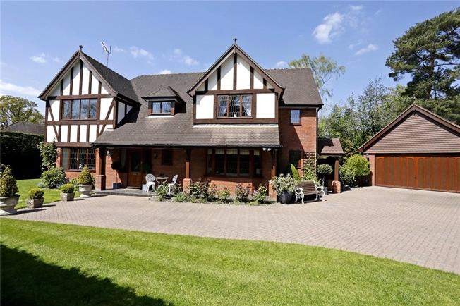 Offers in excess of £1,425,000, 4 Bedroom Detached House For Sale in Rickmansworth, Hertfordsh, WD3