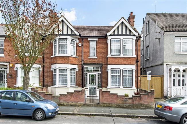 Guide Price £790,000, 4 Bedroom Semi Detached House For Sale in Watford, WD18