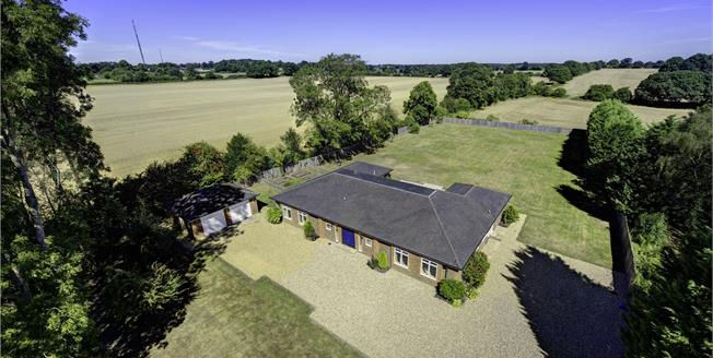 Guide Price £1,500,000, 5 Bedroom Detached House For Sale in Hertfordshire, WD4