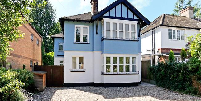 Guide Price £895,000, 4 Bedroom Detached House For Sale in Hertfordshire, WD18