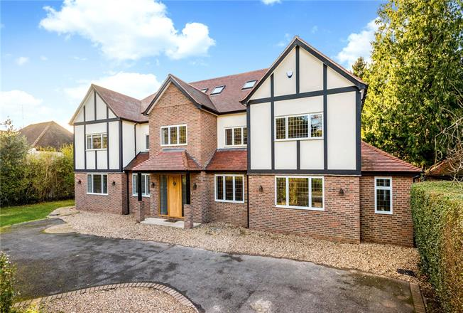 Guide Price £2,250,000, 6 Bedroom Detached House For Sale in Hertfordshire, WD3