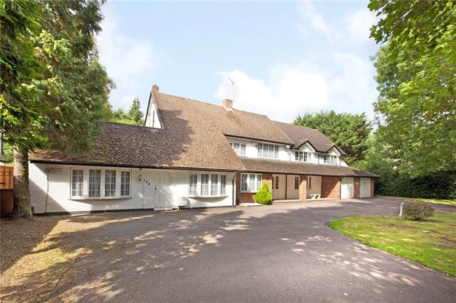 Guide Price £1,675,000, 5 Bedroom Detached House For Sale in Hertfordshire, WD3