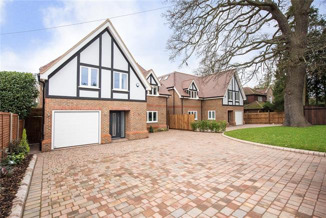 Guide Price £1,750,000, 6 Bedroom Detached House For Sale in Watford, WD17