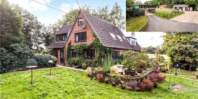 Guide Price £1,650,000, 4 Bedroom Detached House For Sale in Rickmansworth, WD3