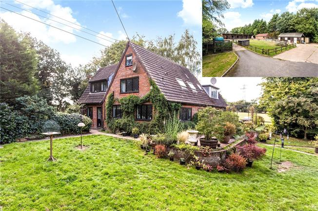 Guide Price £1,500,000, 4 Bedroom Detached House For Sale in Hertfordshire, WD3
