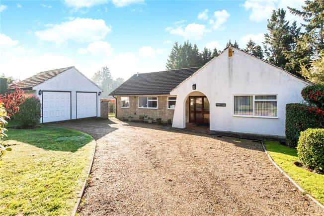 Guide Price £1,000,000, 3 Bedroom Bungalow For Sale in Loudwater, WD3