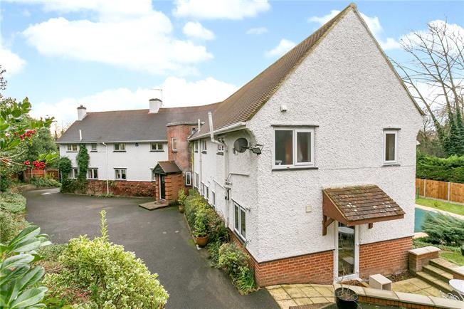 Guide Price £1,750,000, 5 Bedroom Detached House For Sale in Rickmansworth, WD3