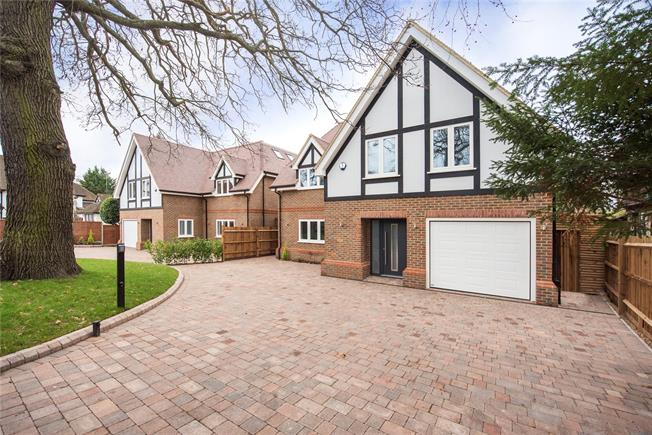 Asking Price £1,750,000, 6 Bedroom Detached House For Sale in Hertfordshire, WD17
