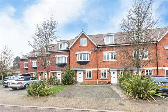 Guide Price £550,000, 3 Bedroom Terraced House For Sale in Watford, WD17