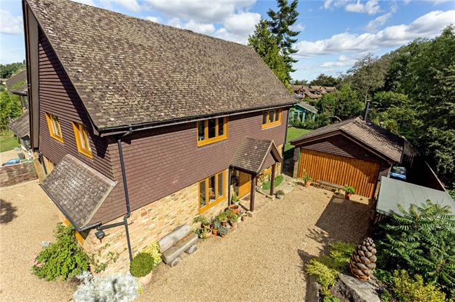 Guide Price £1,195,000, 4 Bedroom Detached House For Sale in Hertfordshire, WD4