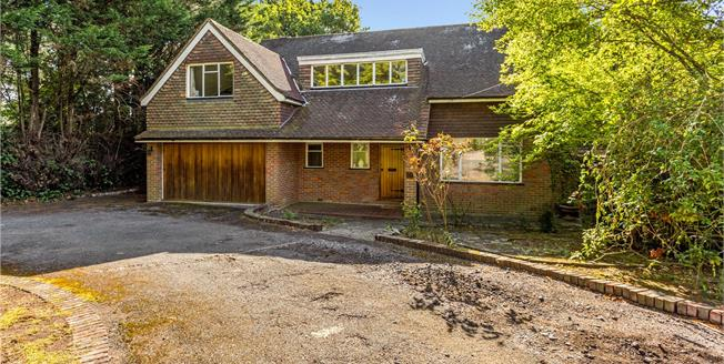 Guide Price £1,600,000, 4 Bedroom Detached House For Sale in Northwood, HA6