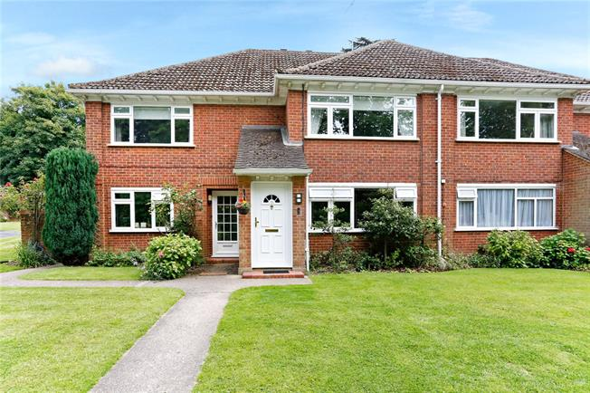 Guide Price £500,000, 2 Bedroom Flat For Sale in Watford, WD17