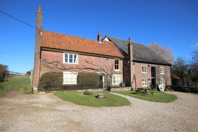 Guide Price £1,595,000, 4 Bedroom Detached House For Sale in St. Albans, AL3