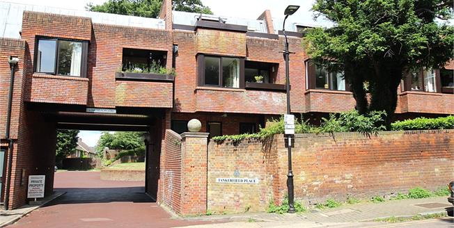 Guide Price £850,000, 3 Bedroom Terraced House For Sale in St. Albans, AL3