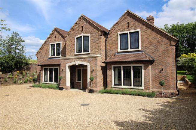 Guide Price £2,650,000, 6 Bedroom Detached House For Sale in Herts, AL3