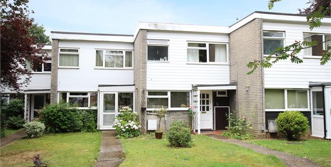 Guide Price £499,950, 3 Bedroom Terraced House For Sale in St. Albans, AL1