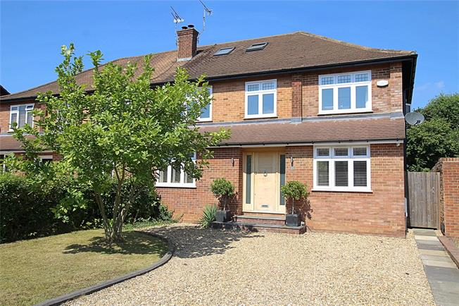 Guide Price £1,000,000, 5 Bedroom Semi Detached House For Sale in St. Albans, AL4