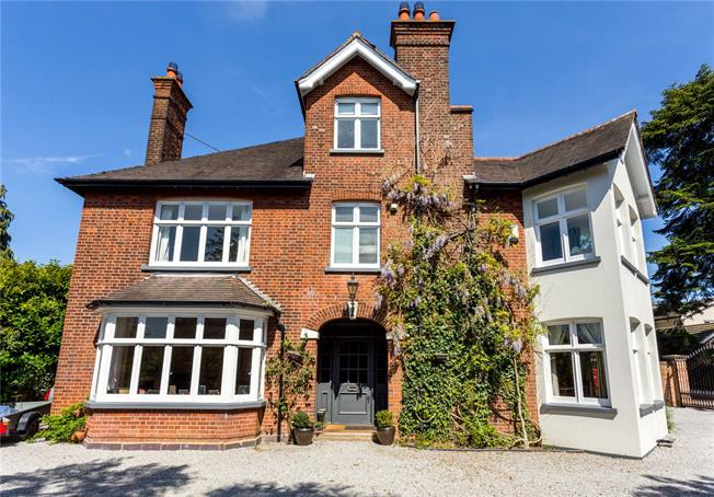 Guide Price £2,450,000, 6 Bedroom Detached House For Sale in Hertfordshire, AL3