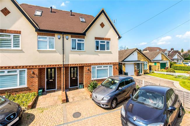 Guide Price £775,000, 5 Bedroom Semi Detached House For Sale in St. Albans, AL2