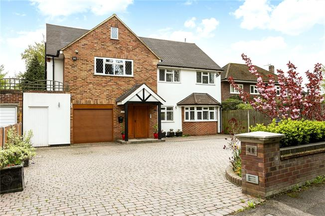 Guide Price £1,750,000, 6 Bedroom Detached House For Sale in Hertfordshire, WD7