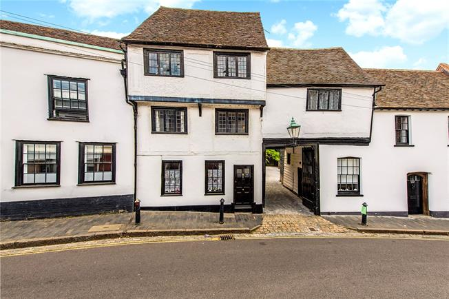 Guide Price £850,000, 4 Bedroom Terraced House For Sale in St Albans, AL3
