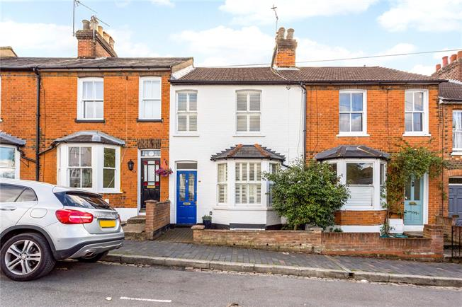 Guide Price £750,000, 3 Bedroom Terraced House For Sale in St. Albans, AL1