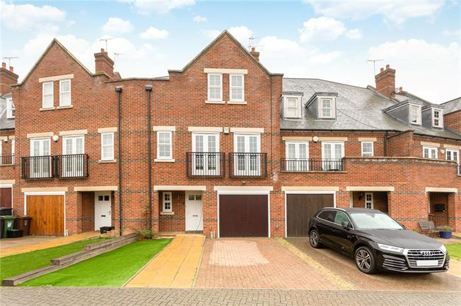 Guide Price £750,000, 3 Bedroom Terraced House For Sale in London Colney, AL2