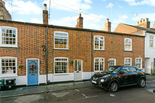 Guide Price £575,000, 2 Bedroom Terraced House For Sale in Hertfordshire, AL3
