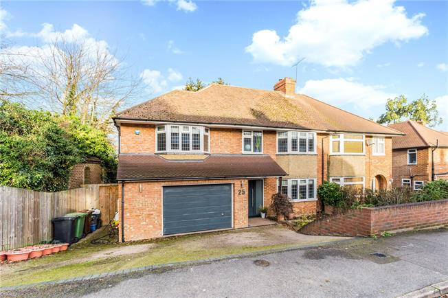 Guide Price £900,000, 5 Bedroom Semi Detached House For Sale in St. Albans, AL3