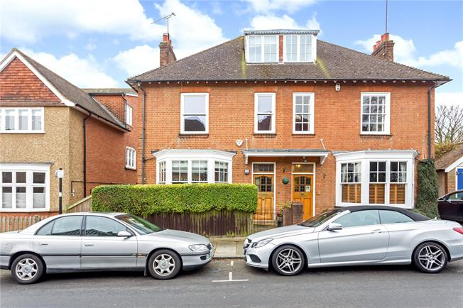 Guide Price £1,250,000, 4 Bedroom Semi Detached House For Sale in Hertfordshire, AL1