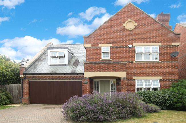 Guide Price £999,950, 4 Bedroom Detached House For Sale in London Colney, AL2