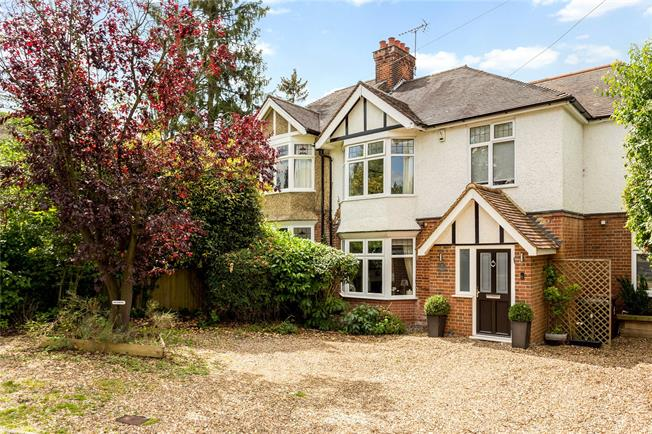 Guide Price £1,100,000, 4 Bedroom Semi Detached House For Sale in Radlett, WD7